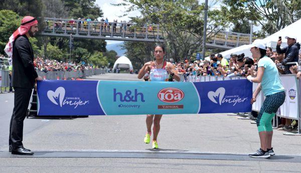 Angie Campeona 2016 Carrera de la mujer