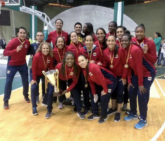 Bronce en sudamericano de baloncesto