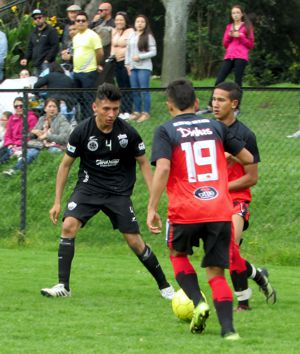 CD Independiente vs dinhos