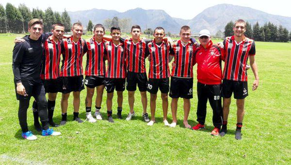 Carlos Pereyra con el equipo
