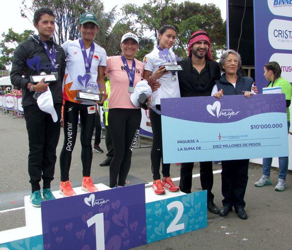 Carrera de la Mujer 2017 podio