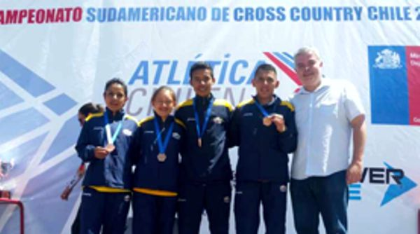 PODIO PARA COLOMBIA EN SURAMERICANO DE CROSS COUNTRY