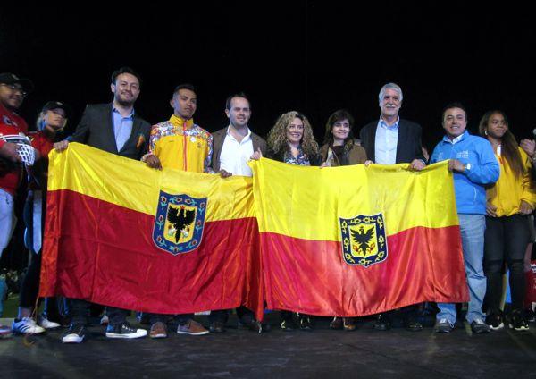 Entrega cancha y bandera Bogotá