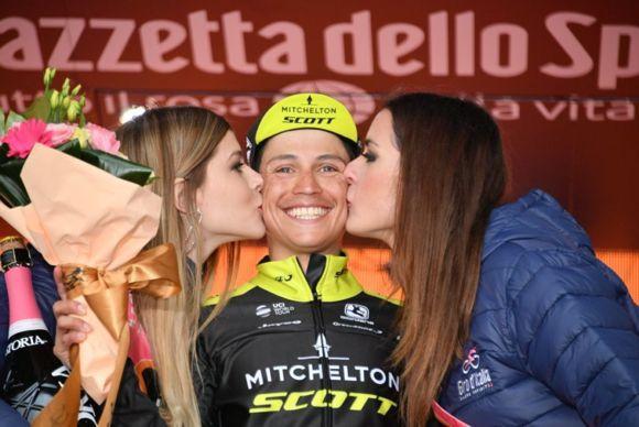 EstebanChaves ganó 6 etapa Giro101
