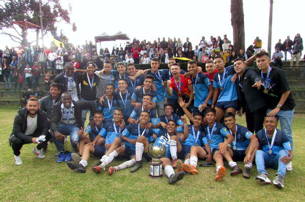 Estudiantes campeón version 31 2019