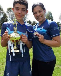 Fabian Clavijo y mamá