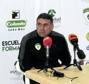 Luis Fernando Suárez vs Santa Fe