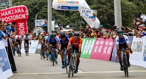 DE PRINCIPIO A FIN, COLNAGO CM TEAM FIGURA EN VUELTA A COLOMBIA