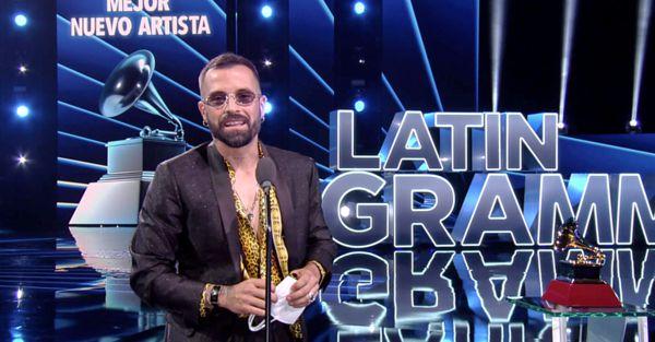 MIKE BAHIA SE LLEVÓ EL GALARDÓN A MEJOR NUEVO ARTISTA EN LOS LATIN GRAMMY