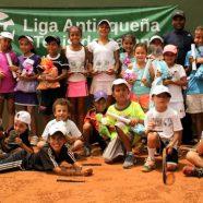 EL MUNDO MÁGICO DEL NACIONAL INFANTIL CHAMPIONS KIDS