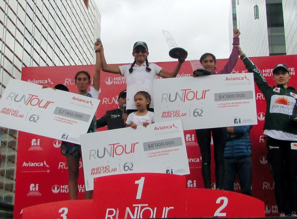 Podio femenino Run Tour 2017