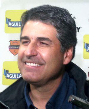 Santiago Escobar 4