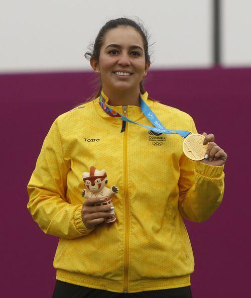 Sara López oro