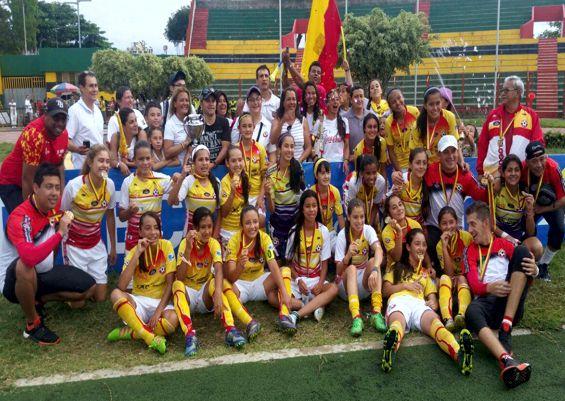 Seleccion infantil femenina Bogota Campeona Nal