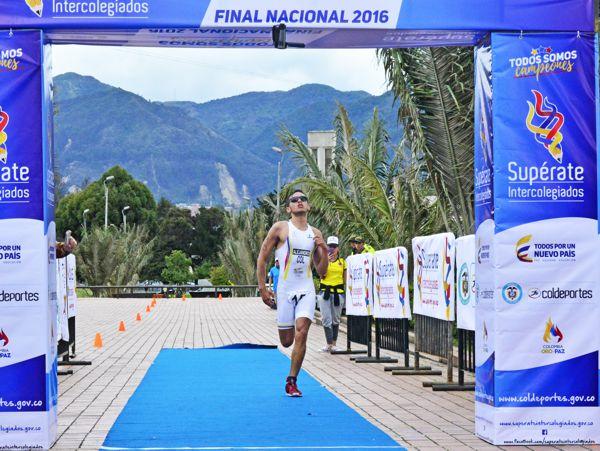 superate-alejandro-gomez-triatlon