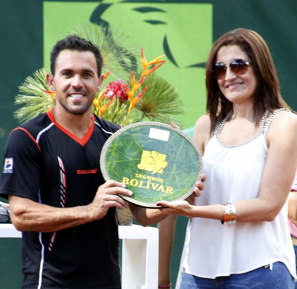 Victor Estrella Campeon