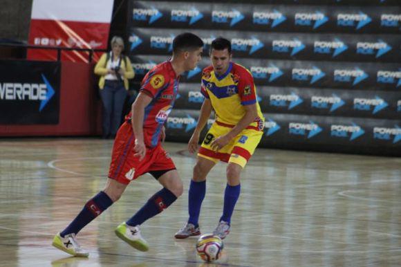 tremendo triunfo de Angeles en Mendoza